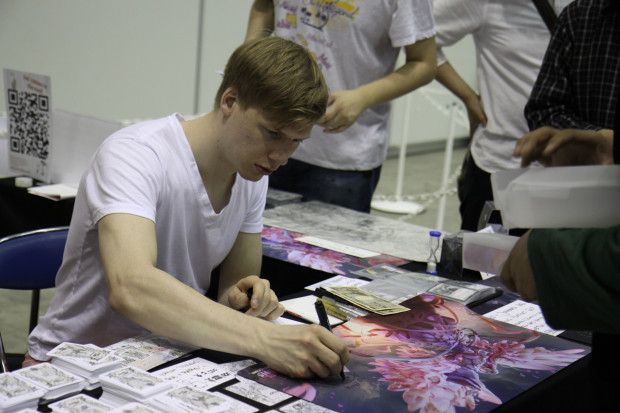 Johannes Voss Signing